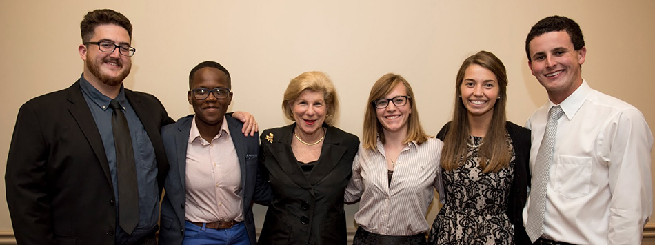 WKU students meet with Nina Totenberg before her lecture at Van Meter, photo by William Kolb