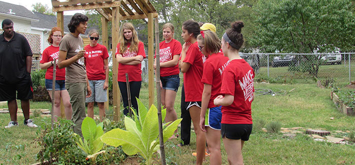 The WKU ALIVE Center launched its first fall semester Meaningful Acts of Service with Project Grow, as an opportunity for students to volunteer in the community garden located at the Office of Sustainability.