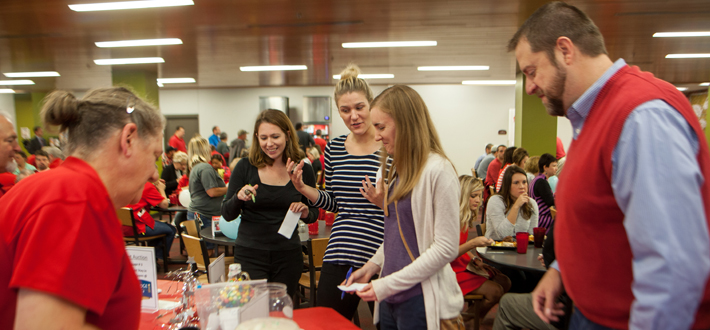 The annual Staff Council Fall Break Brunch was held inside Fresh Foods Company on Thursday, October 1.