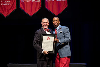 WKU presents faculty, staff awards at convocation