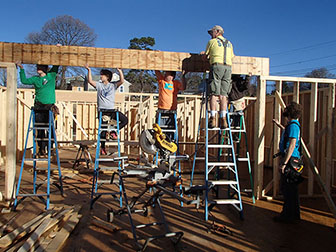WKU Habitat for Humanity Campus Chapter spending fall break in Madisonville