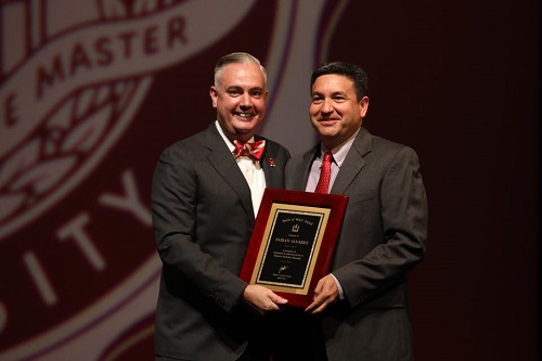 English Instructor Fabian Alvarez receives Spirit of Western Award