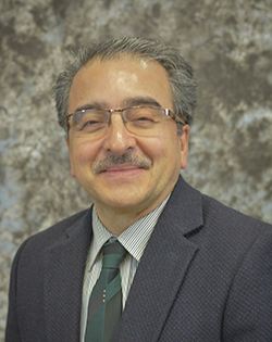 Dr. Farhad Ashrafzadeh Receives OCSE Faculty Award for Excellence in Research & Creative Activity
