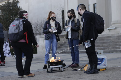 English Majors Welcomed Back with Roasted Marshmallows