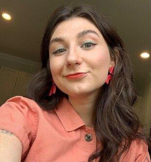 English Alumna Hannah Good Accepts Job at The Washington Post