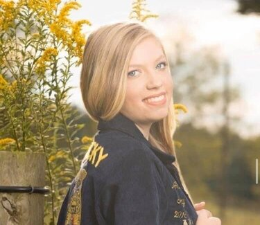 English Minor Maddie Grider Named Baker Scholar in Horticulture
