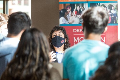 PCAL, CEBS, and Department of Modern Languages Host Hispanic VIP Day for Area Hispanic High School Students