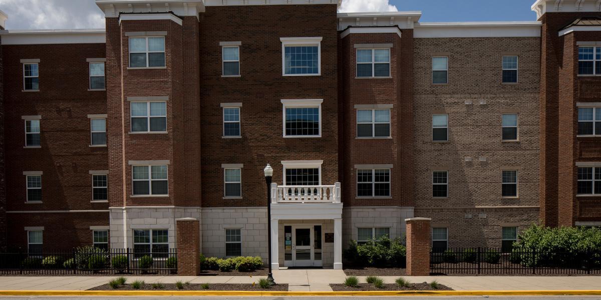 WKU Apartments at 1355 Kentucky Street