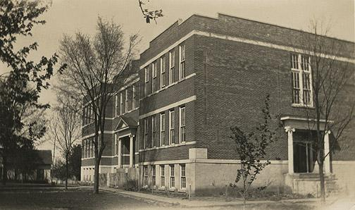 In 1924, the County Board of Education built a new brick structure for the Smiths Grove School. This building burned in 1941. (Courtesy of Library Special Collections, WKU)