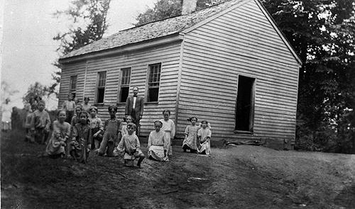 Bush Grove enrolled an average of 31 students in the years between 1910 and 1918. (Courtesy of Library Special Collections, WKU)
