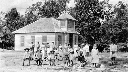 "White's Chapel School sat on a two-acre campus with ""plenty of trees"" to provide shade. (Courtesy of Library Special Collections, WKU)"