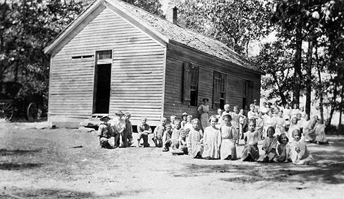 Smithland School supplied water to its students from a spring. (Courtesy of Library Special Collections, WKU)