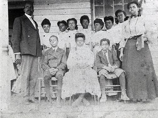 Jonesville was an African American community located in Bowling Green. Schoolteachers between 1909 and 1922 included: Mary V. Carpenter (1909); Walker Wilson (1910); Mary V. Carpenter (1911-12); Virgie Carpenter (1913-15); Sarah Rodes (1916-17); Lucile Taylor (1918); M.H. Bailey (1919-20); and, Orletta Winrow (1921-22). Do you have an image of this schoolhouse to share? (Courtesy of Library Special Collections, WKU) (Courtesy of Library Special Collections, WKU)