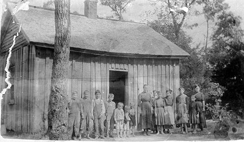 Between 1909 and 1915 teachers schooled less than 15 students per year in the 18'x20' schoolhouse. (Courtesy of Library Special Collections, WKU)