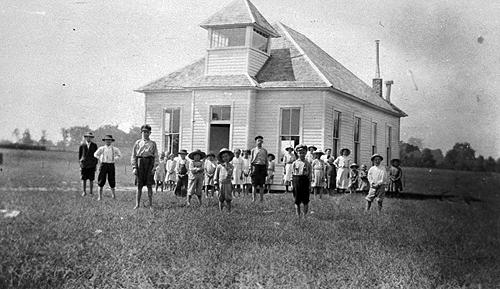 Old Union schooled an average of 40 students in 1921. (Courtesy of Library Special Collections, WKU)