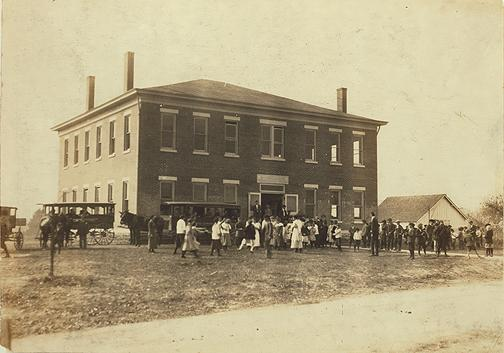 Along with Rich Pond and Boyce, Woodburn was one of the first consolidated schools in Warren County. By 1932-33, Woodburn had become a four-year high school. The original structure burned in 1942 just three weeks after the Rich Pond school was enveloped in flames. Students from Rich Pond and Woodburn were transferred to Rockfield which was renamed South Warren. (Courtesy of Library Special Collections, WKU)