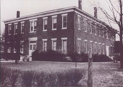Along with Rich Pond and Boyce, Woodburn was one of the first consolidated schools in Warren County. Woodburn residents raised $4,000 for this $7,500 brick school building. By 1932-33 Woodburn had become a four-year high school. The original structure burned in 1942 just three weeks after the Rich Pond school was enveloped in flames. After students from Rich Pond and Woodburn were transferred to Rockfield High School, that school was renamed South Warren. (Courtesy of Library Special Collections, WKU)