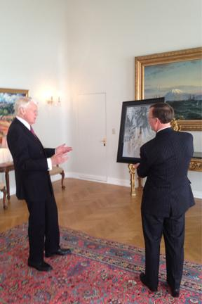 Following a meeting with Icelandic President Olafur Grimsson about the emerging partnership with WKU and Iceland about climate change, President Grimsson was presented with an original painting by WKU junior art major Katie Adams. The painting depicts an Icelandic horse with a reflection in the water of a Kentucky thoroughbred. It illustrates the new collaboration between our nations and WKU's new partnership with the University of Akureyri