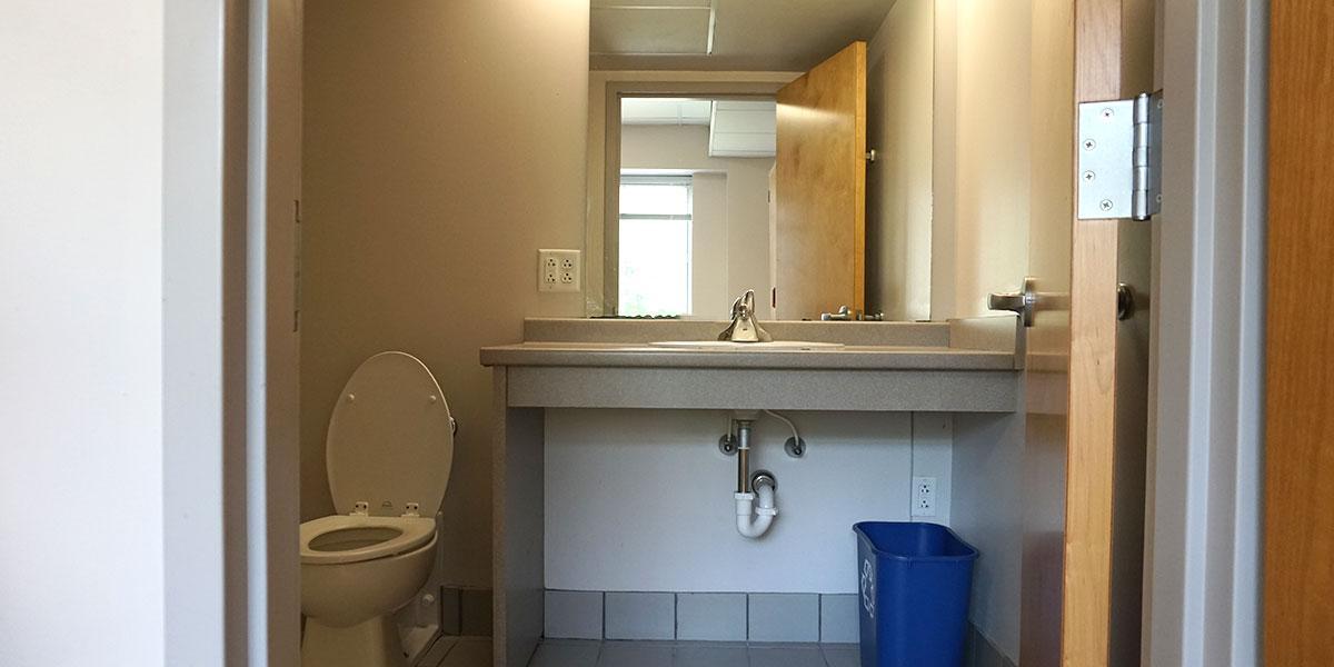 Single Room Bathroom (X04, X22, X32, X50)